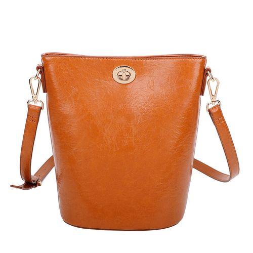 Bolsa-saco-em-material-sintetico-em-leve-brilho-de-shape-moderno-estilo-saco